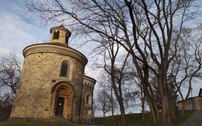 Nejstarší dochovanou pražskou románskou rotundu najdete na Vyšehradě