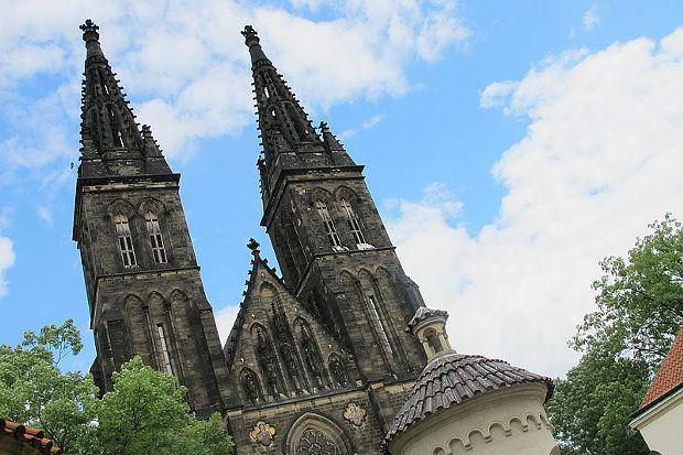 Praha Vyšehrad bazilika svatého Petra a Pavla