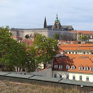 Pražský hrad z Vrtbovské zahrady Praha křížem krážem foto Kristýna Maková