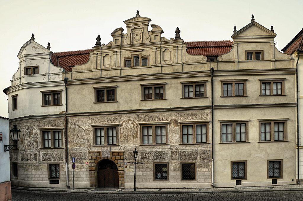 Martinický palác patří k chloubám Hradčanského náměstí. (Foto: Miloslav Čech)